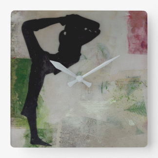 Chica de la yoga de Natarajasana - reloj de pared