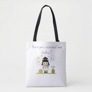 Chica del dibujo animado que sostiene la bolsa de