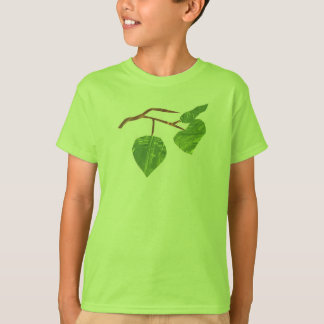 Chica del muchacho de la camisa del árbol de la