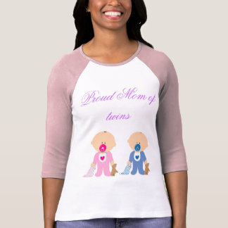 Chica del muchacho de los niños de los niños de la camiseta