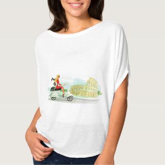 Chica del Vespa en Roma Camisetas