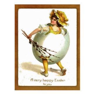 Chica del vintage en traje del huevo postal