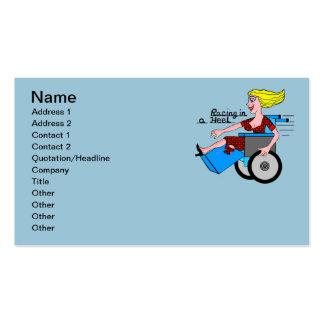 Chica en amputado de la silla de ruedas del tacón tarjetas de visita