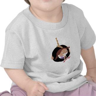 Chica en el oscilación del neumático camiseta