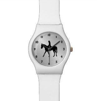 Chica en números del negro de la plata del caballo reloj de pulsera