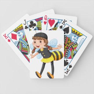 Chica en traje de la abeja cartas de juego