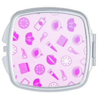 """Chica """"espejo dulce"""" de los diseñadores: plata y espejos para el bolso"""
