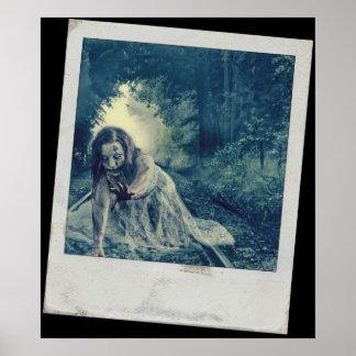 Chica fresco del zombi póster