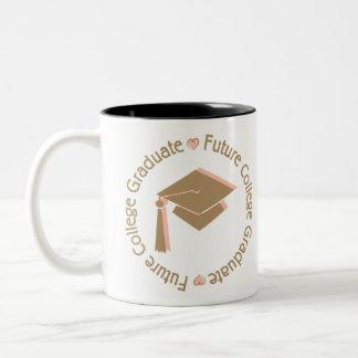 Chica futuro del graduado de la universidad tazas