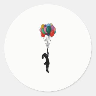 Chica lindo de los pegatinas con los globos pegatina redonda