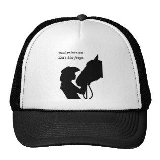 Chica que besa el caballo gorras