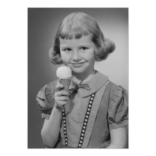 Chica que come el helado invitaciones personalizada