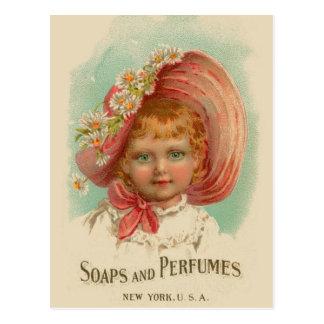 Chica retro de los jabones y de los perfumes de postal