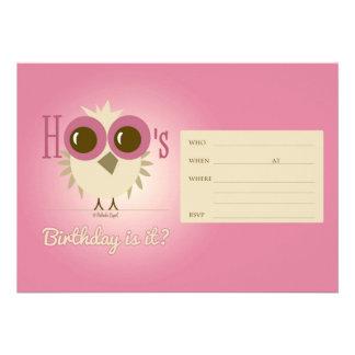 Chica retro del búho de cumpleaños de la invitacion personalizada
