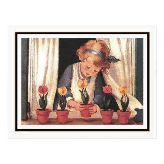 Chica y Windowbox del vintage de Jessie Willcox Postal