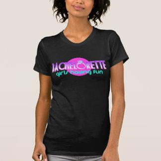 Chicas de Bachelorette que se divierten Camiseta