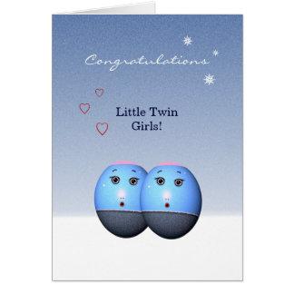 Chicas gemelos recién nacidos (plantilla de la felicitaciones
