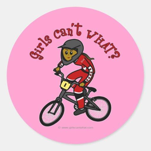 Chicas rojo oscuro BMX Etiquetas Redondas