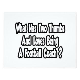 Chiste del entrenador de fútbol… dos pulgares invitación 10,8 x 13,9 cm