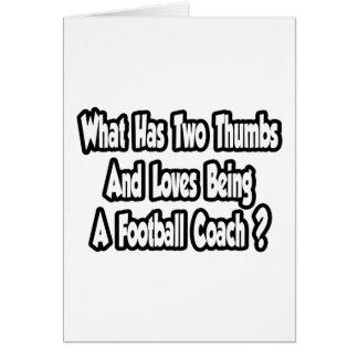 Chiste del entrenador de fútbol… dos pulgares tarjetón