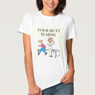 chiste del extremo de la enfermera camiseta