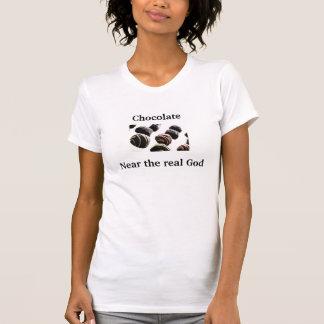 Chocolate cerca de dios real camisetas