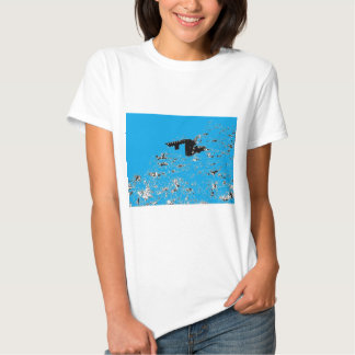 Choza del desierto de la turquesa camisetas