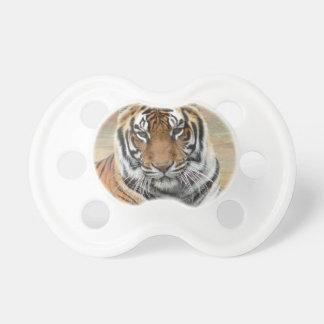 Chupete Alquileres Tigres en la reflexión