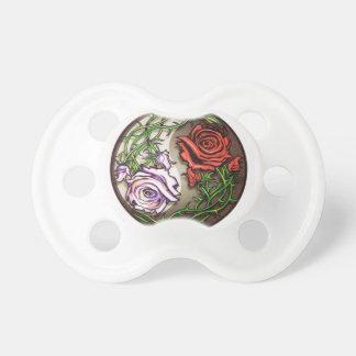 Chupete Diseño color de rosa del tatuaje del yingyang