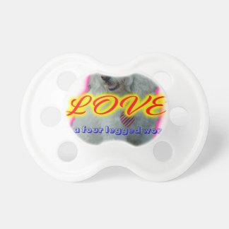Chupete El amor es una palabra legged cuatro