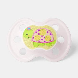 Chupete Pacificador lindo de la tortuga de la niña