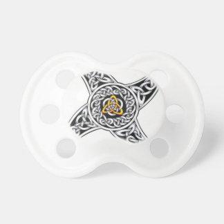 Chupete símbolo de los céltico-guerreros