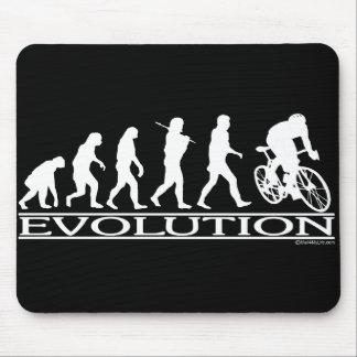 Ciclista del varón de la evolución alfombrilla de ratón