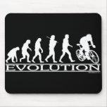 Ciclista del varón de la evolución alfombrillas de ratones