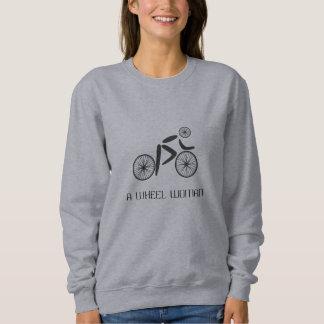 Ciclista divertido del retruécano de la mujer de sudadera