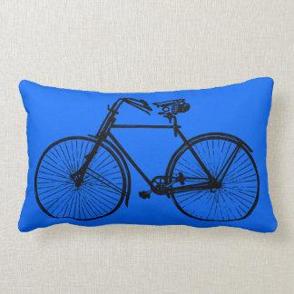 cielo azul brillante negro de la almohada de tiro