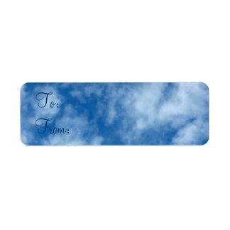 Cielo azul con Clouds A-De Gift Tag Etiqueta De Remitente