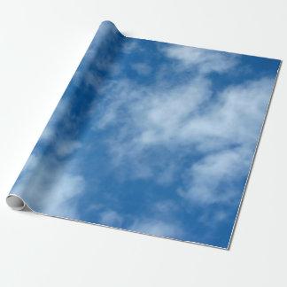Cielo azul con el papel de embalaje de las nubes papel de regalo