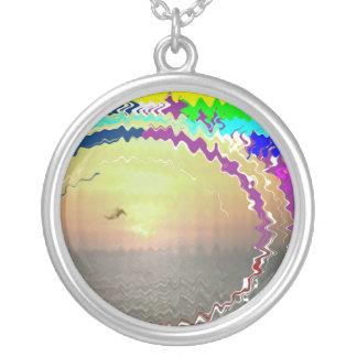 Cielo de oro del arco iris n de la puesta del sol colgante redondo