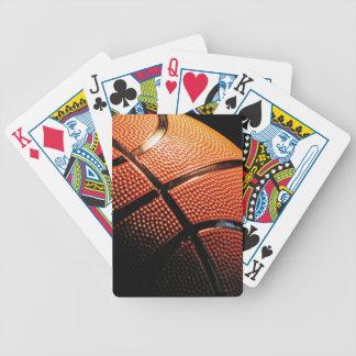 Cierre de la bola de la cesta para arriba baraja cartas de poker
