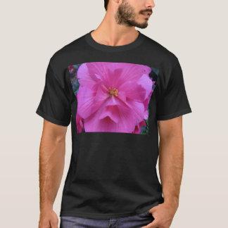Ciérrese para arriba de la flor rosada camiseta
