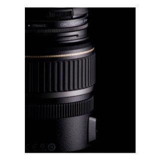 Ciérrese para arriba de la lente de cámara moderna postal