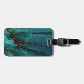 Ciérrese para arriba de plumas azules del ala etiquetas para maletas