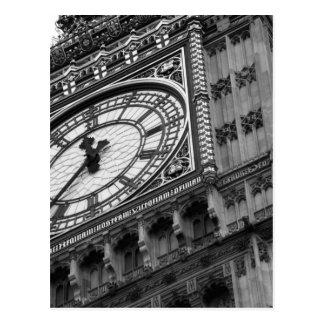 Ciérrese para arriba en Big Ben en blanco y negro Postal