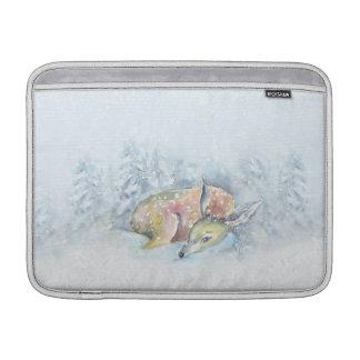 Ciervos del invierno de la acuarela en nieve funda para MacBook