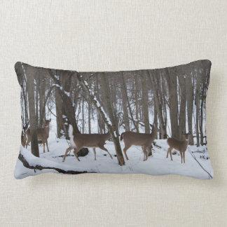 Ciervos en la almohada del Lumbar de maderas