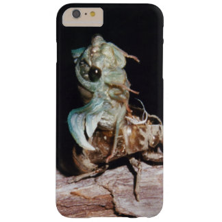 Cigarra que emerge de Shell Funda Barely There iPhone 6 Plus