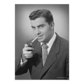 Cigarrillo de la iluminación del hombre invitación 12,7 x 17,8 cm