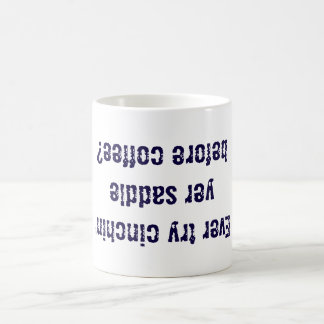 Cinche su taza de café de la silla de montar