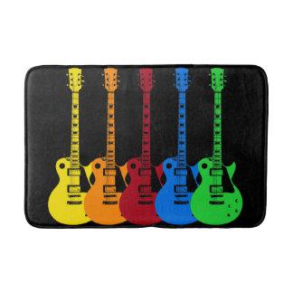 Cinco guitarras eléctricas alfombrilla de baño